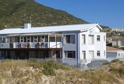 Hout Bay Backpackers 1