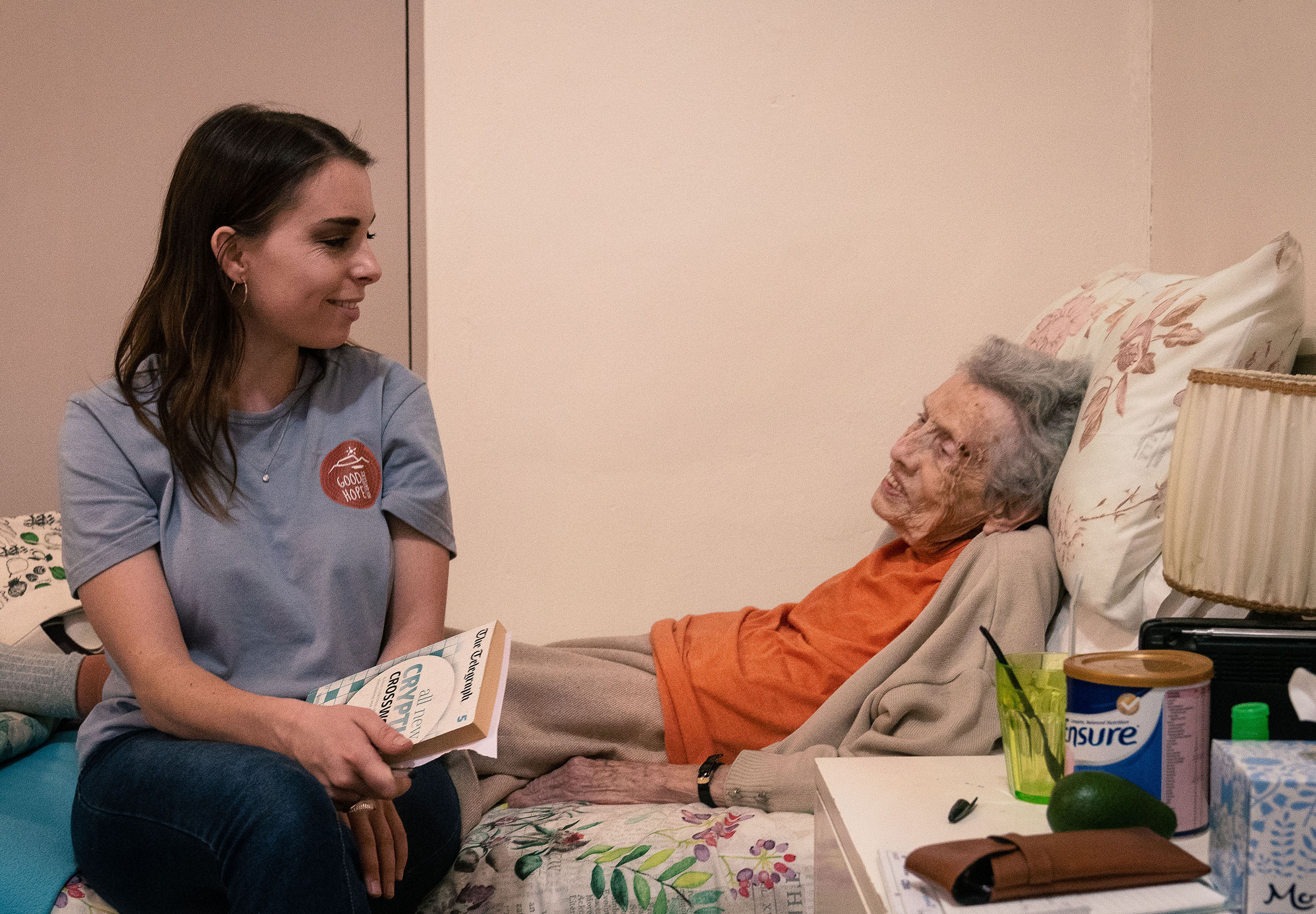Volunteer with elderly people in Cape Town